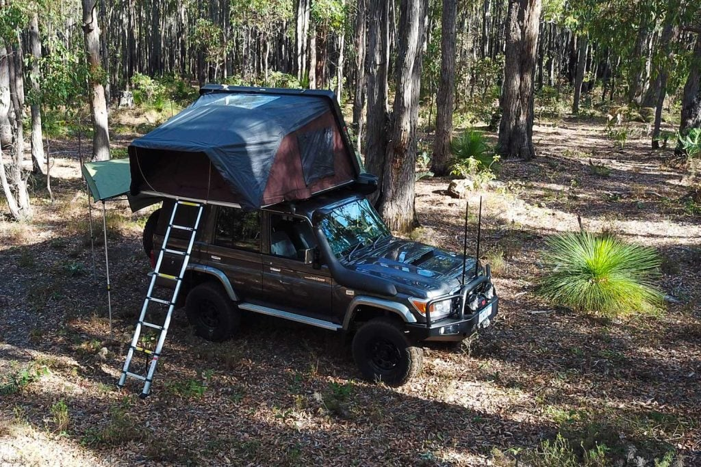 76 Series LandCruiser iKamper Hard Shell Rooftop Tent